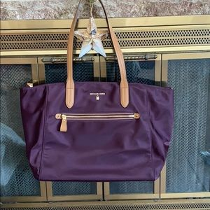 Beautiful nylon Michael Kors tote